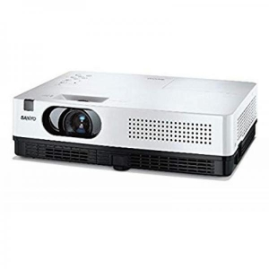 Projektor Sanyo PLC - XW250, heledus 2600 ANSI luumenit, resolutsioon 1024 x 768, VGA sisend, lamp töötanud 146H, komplektis pult, kasutatud, garantii 6 kuud (ei laiene lambile)